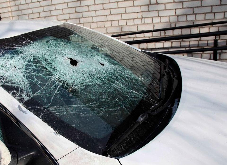 Замена стекла -на автомобиле иркутск