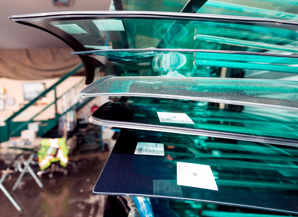 Изготовление стекол для автотранспорта
