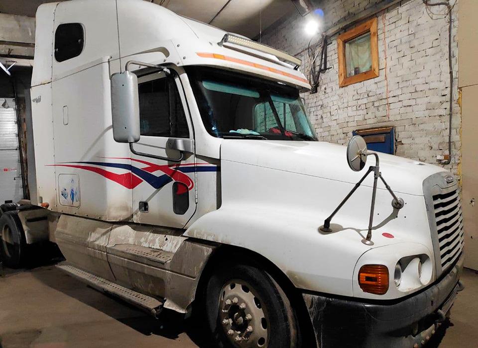 Замена стекла на грузовом автомобиле